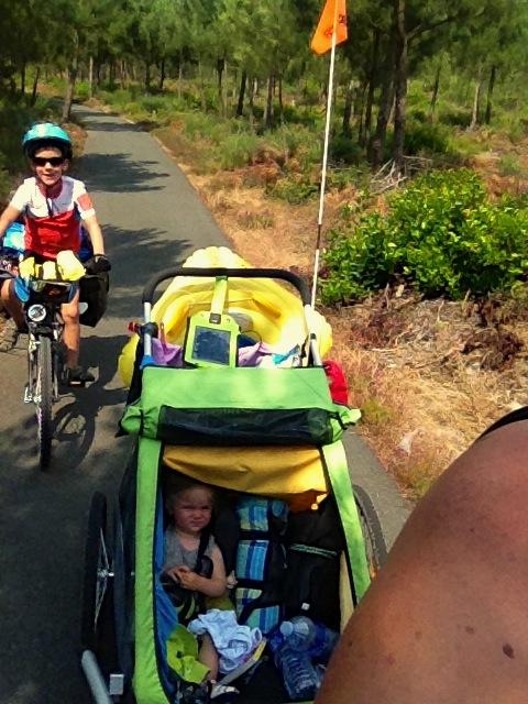 Les enfants s'éclatent en vélo !
