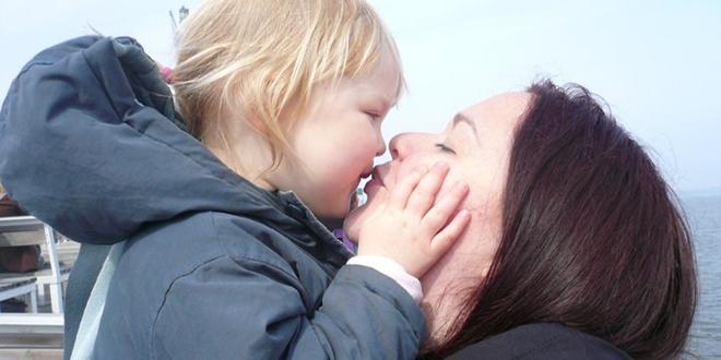 Maman voyage en solo, avec sa fille.