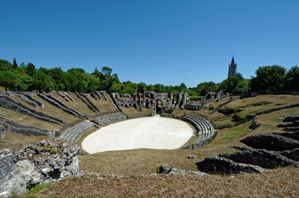 Un après-midi en famille à l'Amphithéâtre Gallo-Romain de Saintes