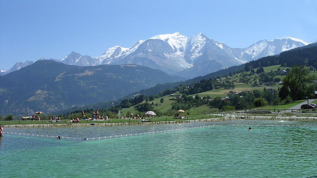 Que faire cet t en famille la montagne poussin voyageur - Camping serre poncon avec piscine ...
