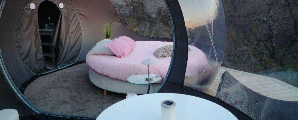 les gouttes d 39 eau dormir dans une bulle poussin voyageur. Black Bedroom Furniture Sets. Home Design Ideas
